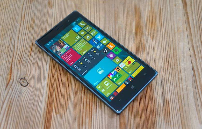 Windows pe mobil nu moare până nu-l testez și eu! :D