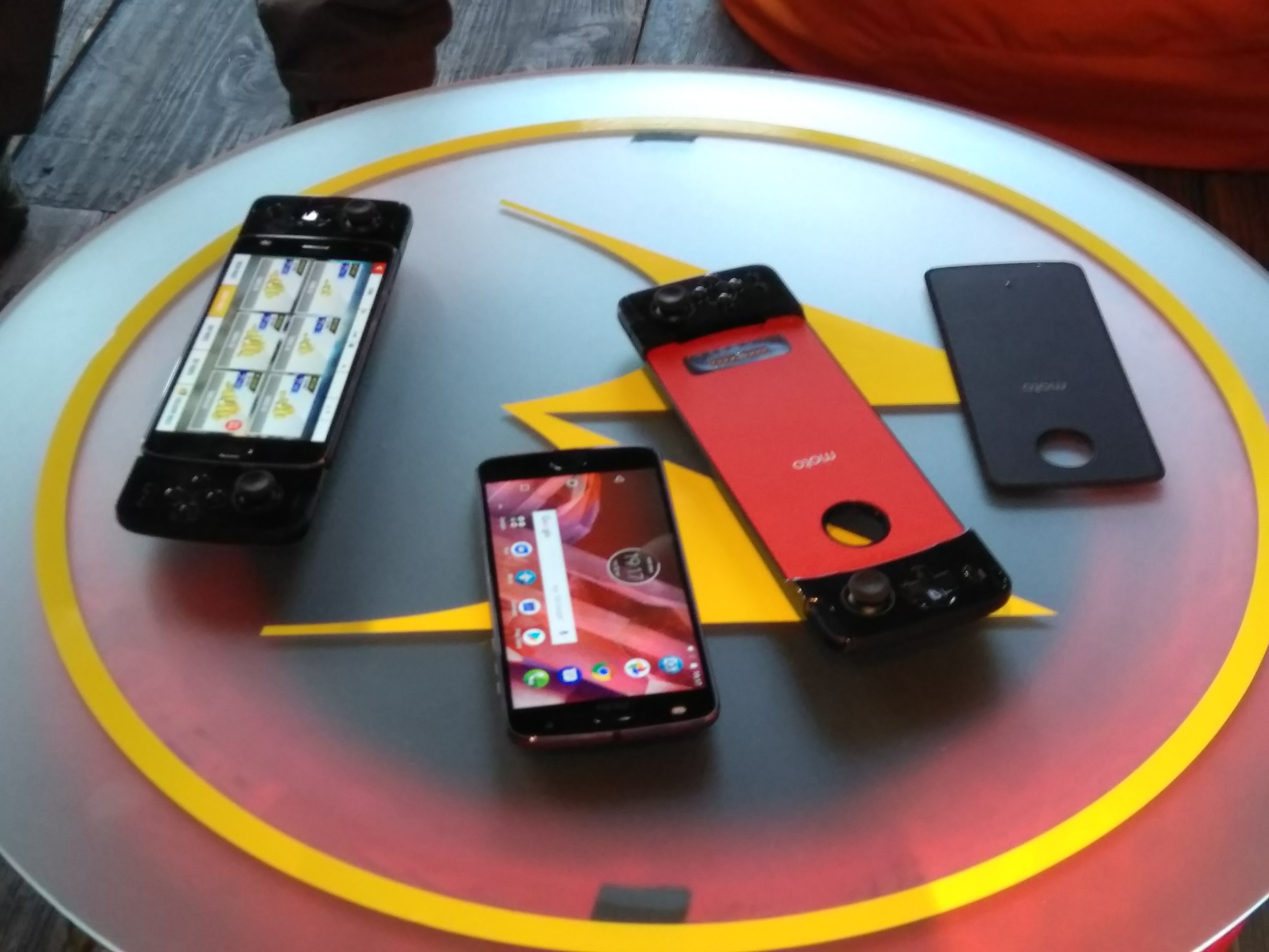 Motorola prezintă oficial Moto Z2 Play în România