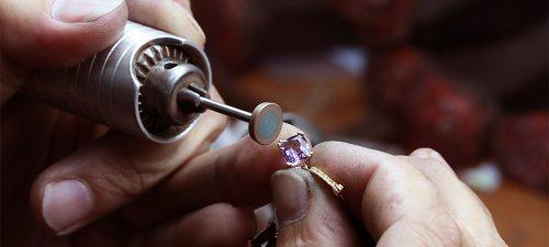bijuterie în lucru