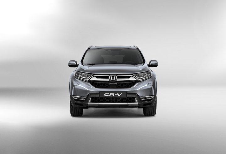 Munca dură cere o Honda CR-V Hybrid