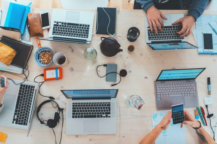 De ce bloggerii de tehnologie sunt plictisitori