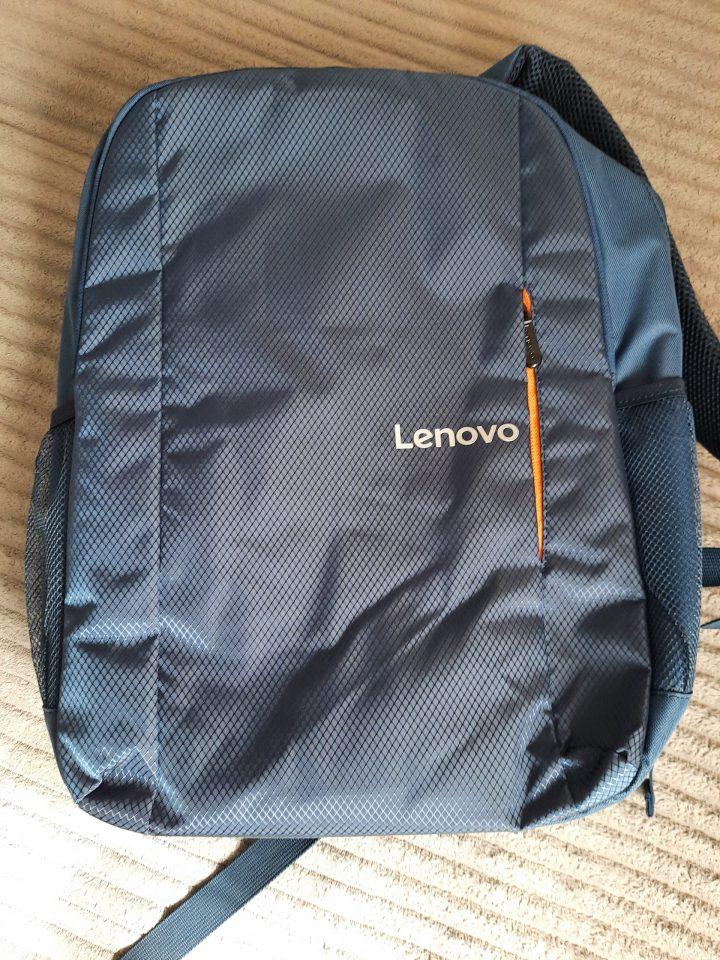 Lenovo Everyday B515, un rucsac laptop 15.6 cu notă mare la majoritatea capitolelor